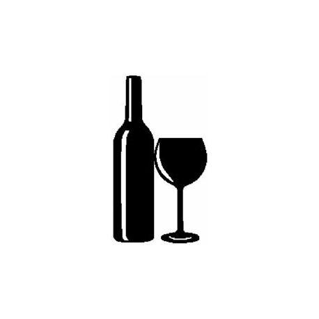 Patron livre plié verre et bouteille de vin