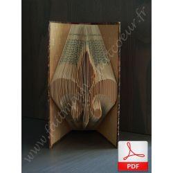 Folded book pattern heraldic lily