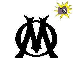 """Pliage de livre logo """"OM"""""""