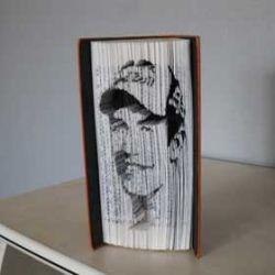 Pliage de livre portrait Marc Marquez