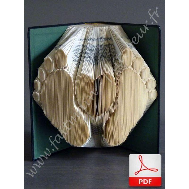 Heart and baby footprint book folding pattern - Pliage de livres de poche ...