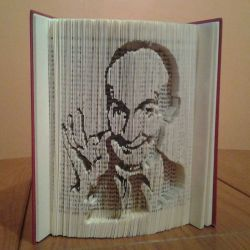 Louis de Funès book folding