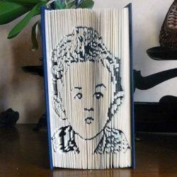 Pliage de livre portrait de Maverick
